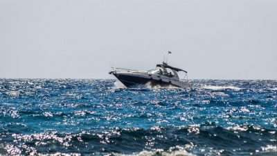 tips for your first boat rental