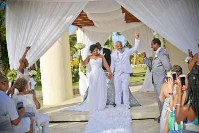 what is a destination wedding