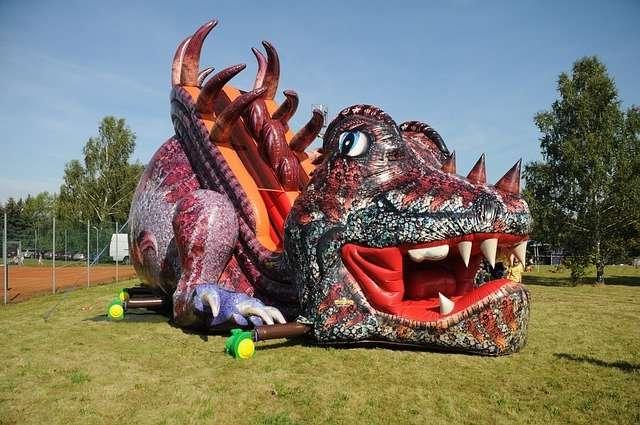bounce house rental Miami dragon theme