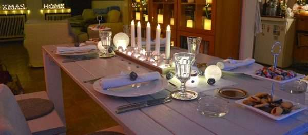 table-decoration- candles