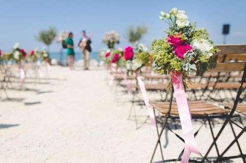 Beach wedding supplies