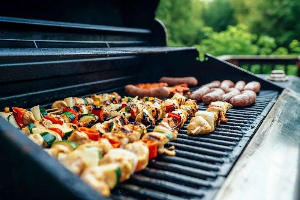 Backyard Memorial Day BBQ Tips