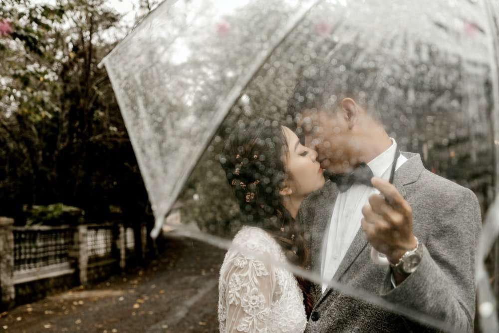 Outdoor Wedding Tips and Weather Considerations
